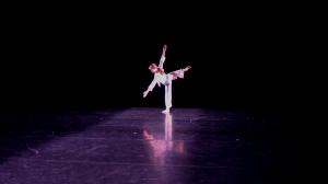 Yanaëlle-Thiran-dancing-Swapping-Shadows-2018-Photo-by-Julia-Testa-1